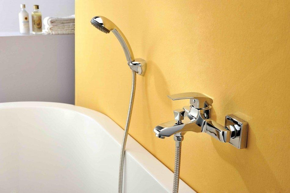 купить смеситель для ванной с душем